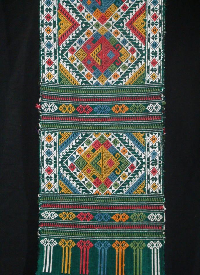 2-Headed Hong Shoulder Cloth