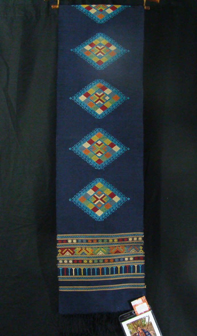 Deep Blue Naga Diamond Scarf