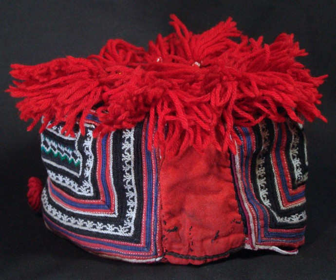 Girl's Red Yao Hat